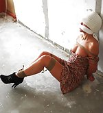 Dutch damsel roped, cleave-gagged, clamped