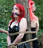Amateur girls tied to the tree