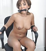 Naked beauty tied to the chair and vibed